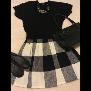 Zara Woman Black/White plaid tweed skirt